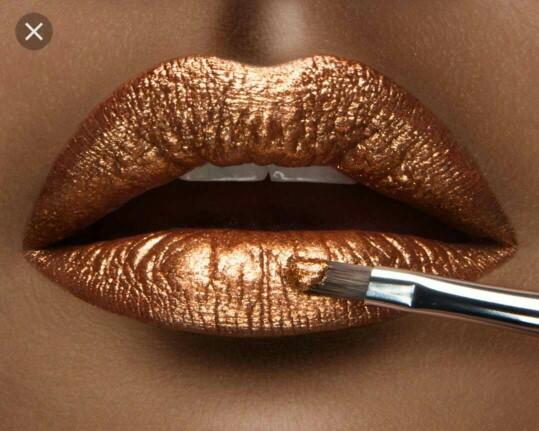 What do you think about metallic lipstick (make up 'trend').?