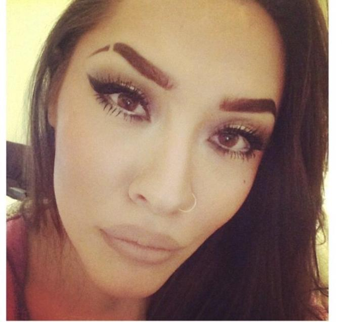 What do you think of eyebrow slits on women/what would be your first impression of them?