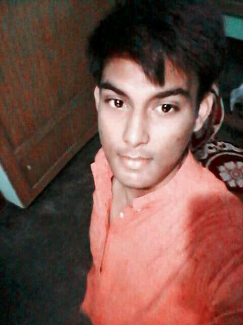 Girls, Rate my pic ill rate urs....?