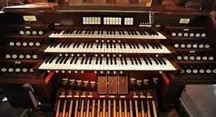 What's the difference between a playing piano and keyboards and organs??
