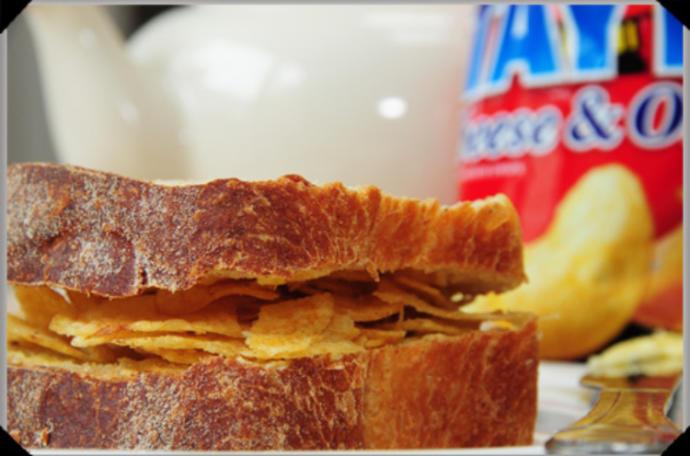 Anyone ever had a potato chip/crisp sandwich?