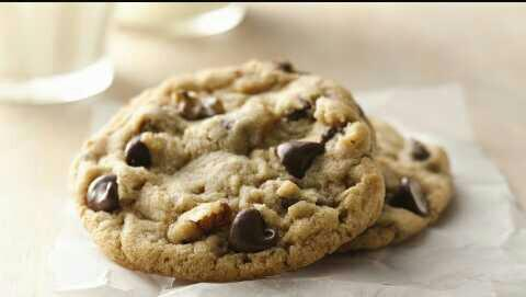 Which is better: cookie dough or baked cookies??