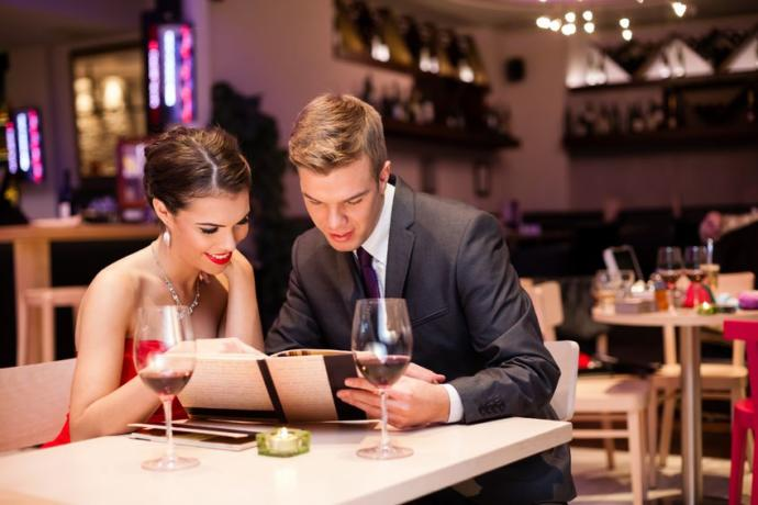 Do you prefer  having dinner/lunch at a restaurant , or a home cooked meal with your spouse?