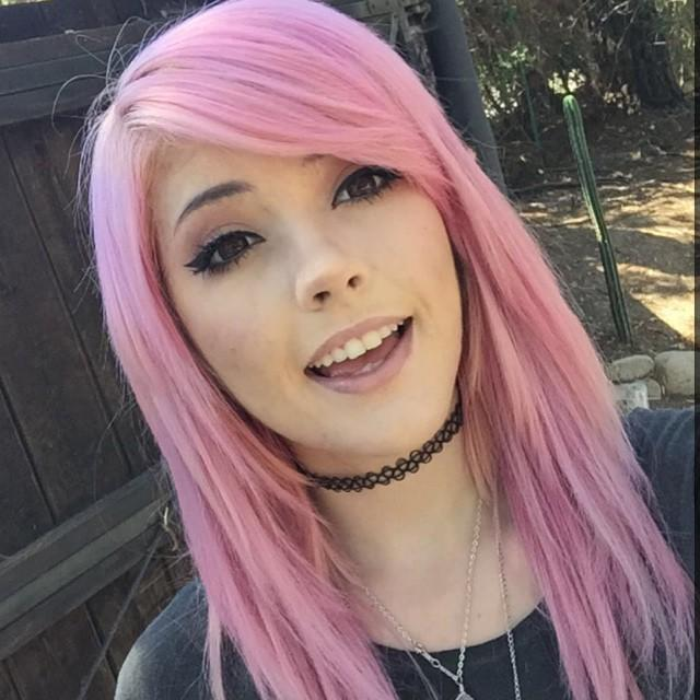 Why are girls with pink hair so sexy? - GirlsAskGuys