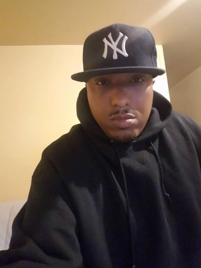 Does my boyfriend look Dominican or black?<br />He's Puerto Rican btw?