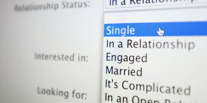 Social Media And Relationship Statuses  >> How Important Is Your Relationship Status On Social Media