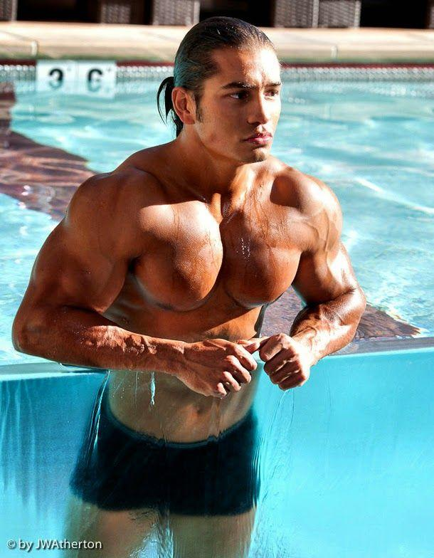 Do Mexican women or Latina women in general love Latino men with a near bodybuilder-physique?