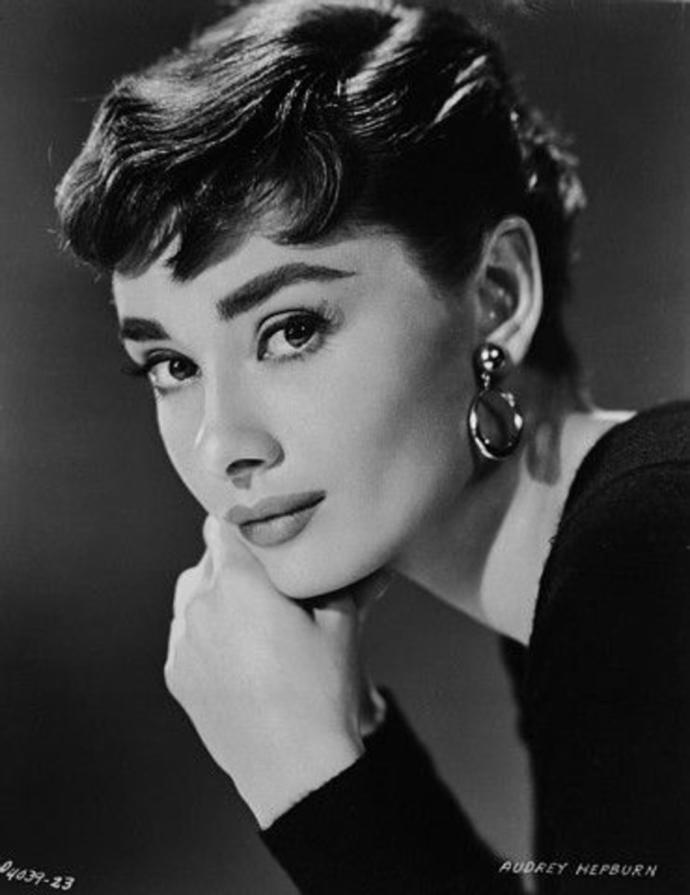 Do you think Audrey Hepburn, Lily Collins, Emma Watson, Natalie Portman and Taylor Hill are elegant and classy?