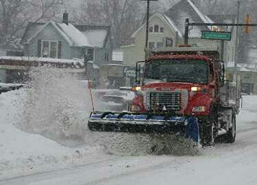 Why don't Snow & Plow rhyme?
