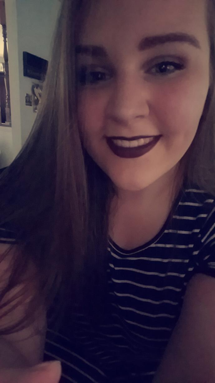 Is dark lipstick attractive or unattractive?
