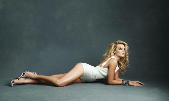Scarlett Johansson vs Margot Robbie?