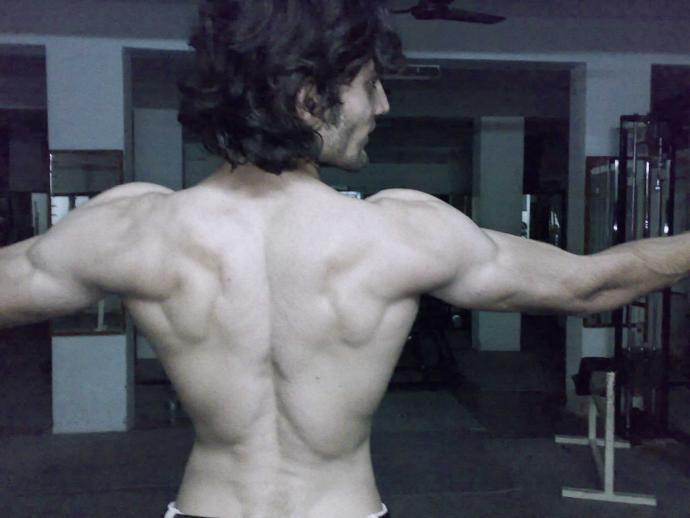 Do Women find lean Muscular Men attractive??