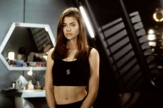 Is it physically possible for a girl to be hotter than Denise Richards back in the 90s?
