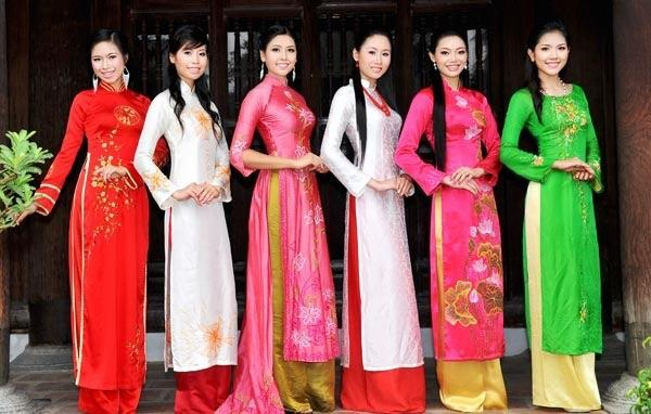 Which one of these traditional clothes do you like most?