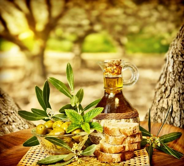 What color is the olive oil you have/use/buy?