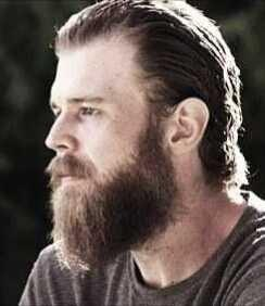 Do you find him/his hair and beard style attractive??