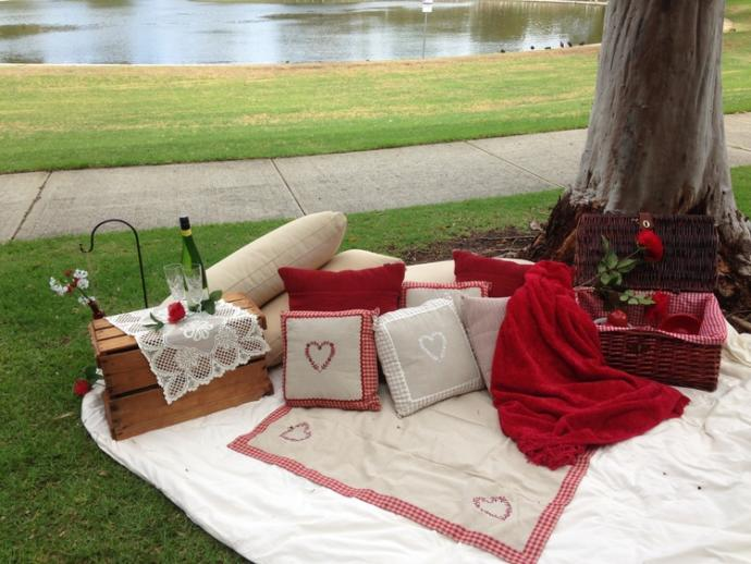 Tag a gager that you would like to go on a romantic picnic with?