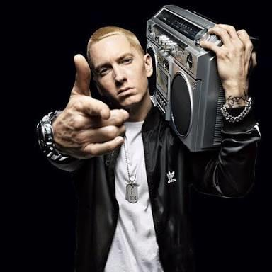 Who is better, little pump or Eminem?