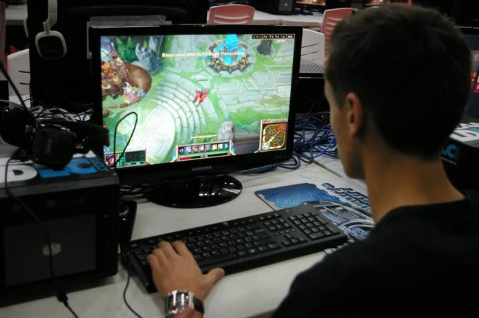 Would you give up video games for your girlfriend?