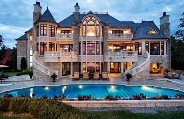 If you won a 3 story mansion (10 bedrooms, 7 bathrooms) who would you invite to live with you? Would they stay free or put in on rent?
