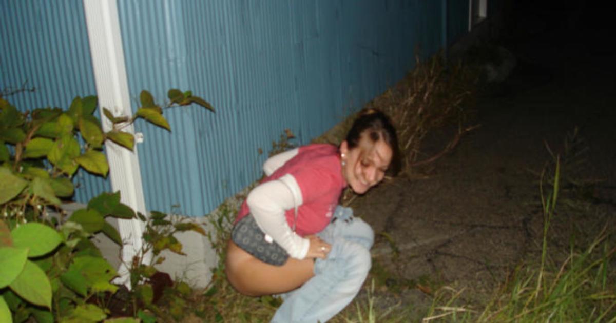 bouncing-pop-a-squat-peeing-xxx