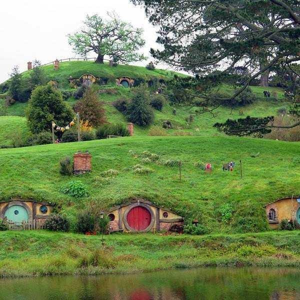 Do u wanna live A life as A hobbit if possible?