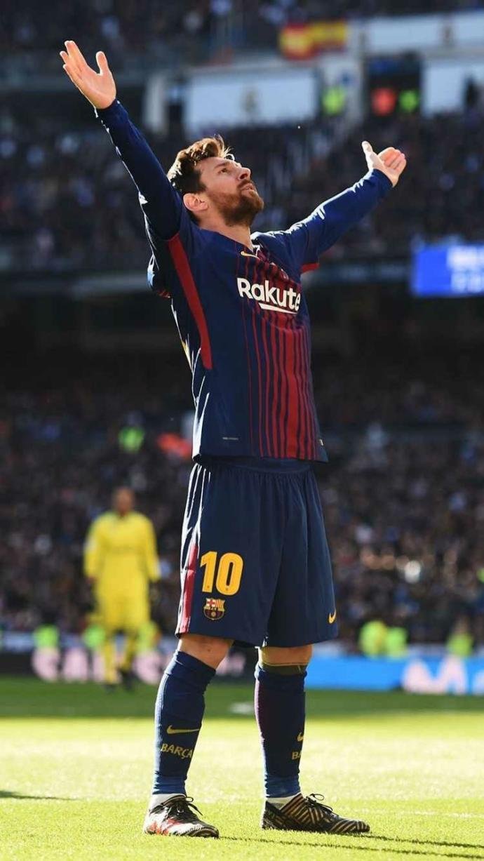 Celebrating the new Topic. The best player in the world??