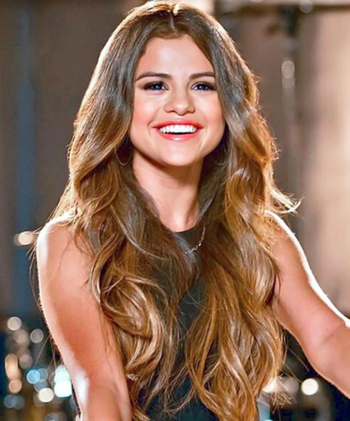 Who's prettier: Selena Gomez or Demi Lovato?