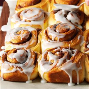 Cinnamon roll vs. Danish: Which do you prefer?
