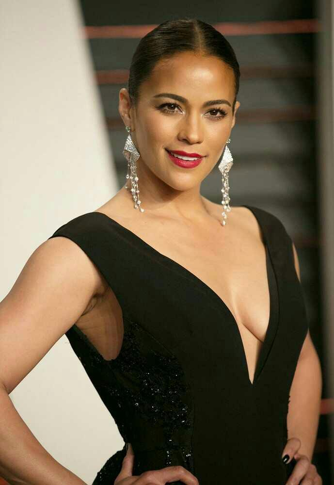 Who is more masculine ? American or Indian actress?