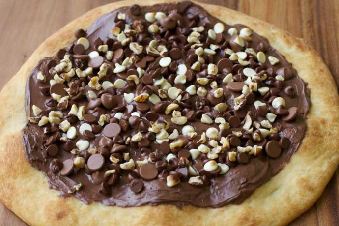 Would you eat a chocolate pizza?
