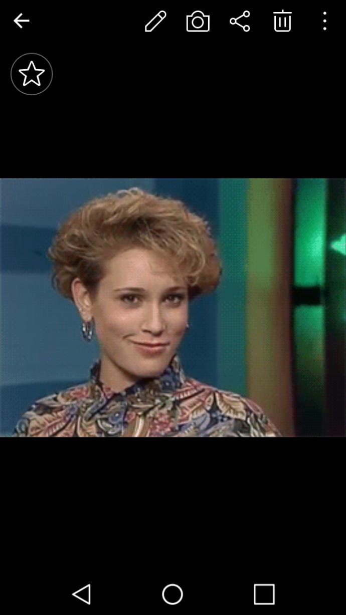 Does anybody know this actress from 80s teen show?