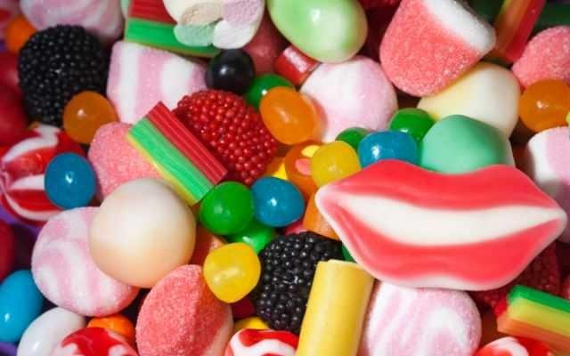 What is your go 2 favorite Candy?