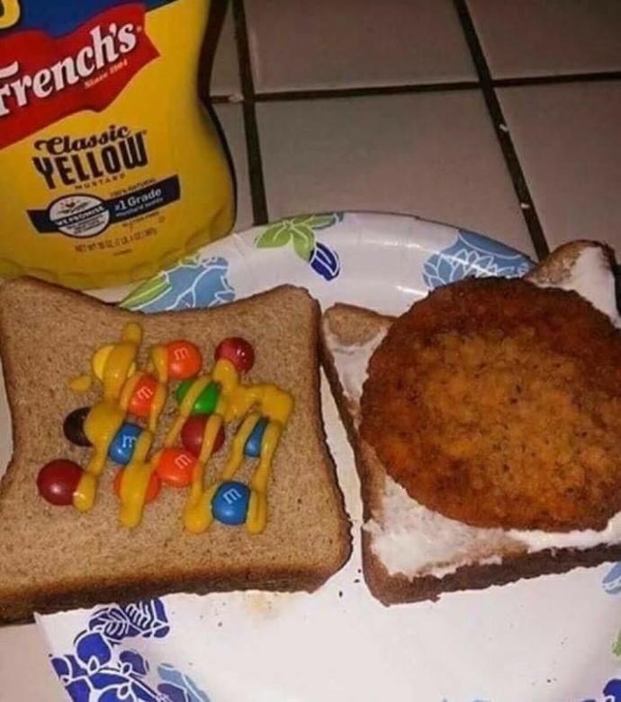Did this person sandwich correctly?