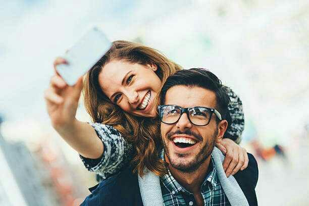 Girls, Do you always take a selfie with your date in the first date?