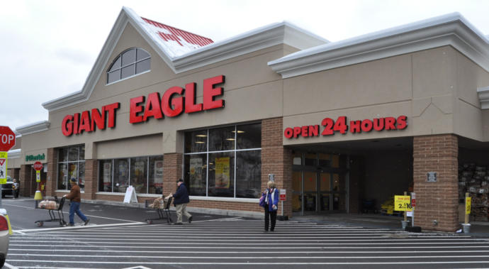 What would you rate the grocery store Giant Eagle?