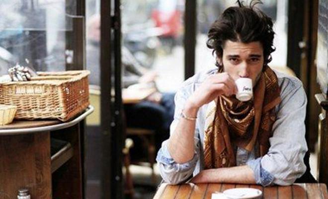 Do u drink coffee or tea?