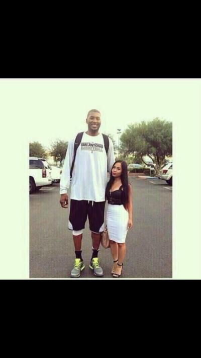can short girl dating tall guy