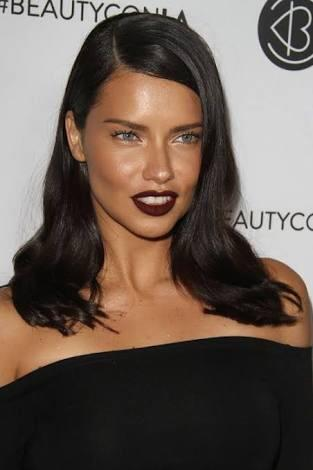 Adriana Lima: light or dark hair?