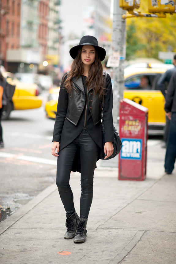 Best clothes color? Black, or something else?
