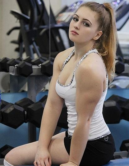 Guys, what kind of muscles do you like on girls?