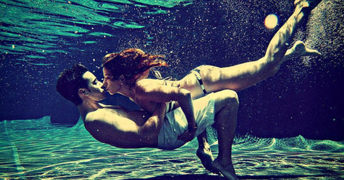фото эротические фото в воде мужчины с девушкой постепенно