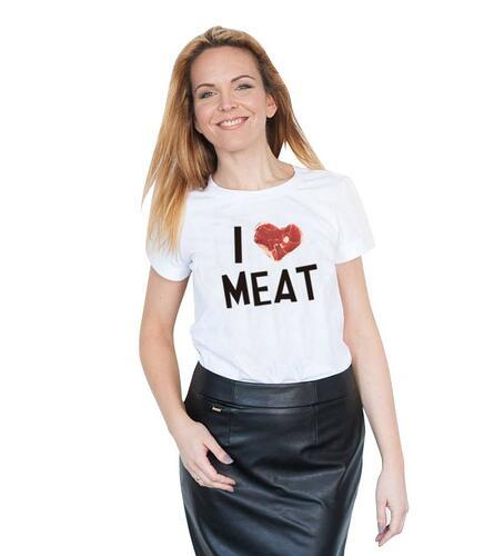How many girls here like meat?