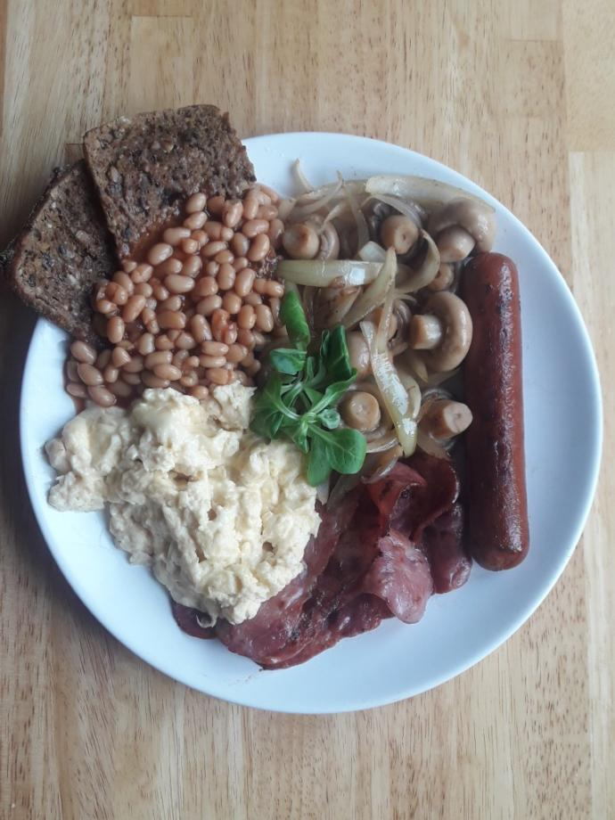 Rate my (kind of LCHF) breakfast out of 10?