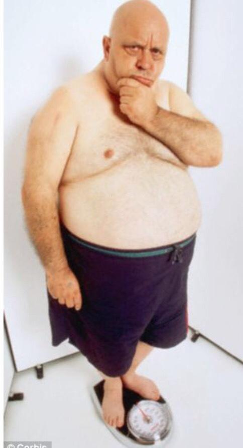 Мини лысый толстый мужик русские девчонки