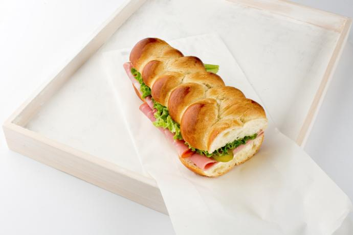 What kind of bread rolls you usually use for making sandwiches?