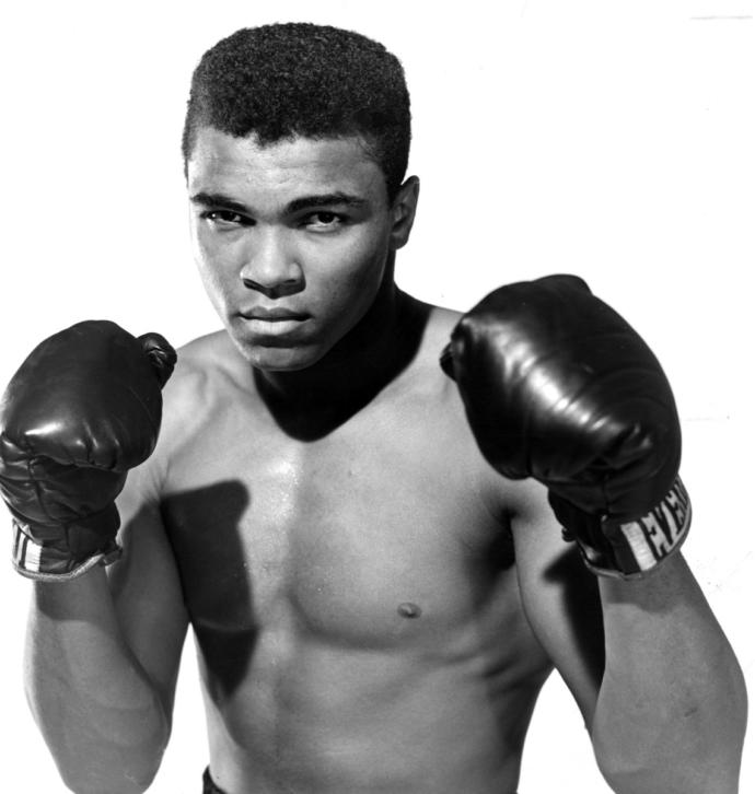 Who was the greatest heavyweight boxer of all time-- Joe Louis or Muhammad Ali?