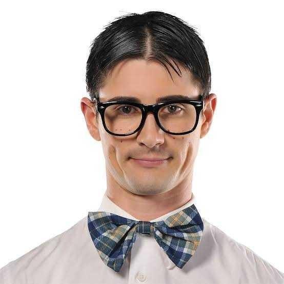 Do girls think of all guys who wear glasses as