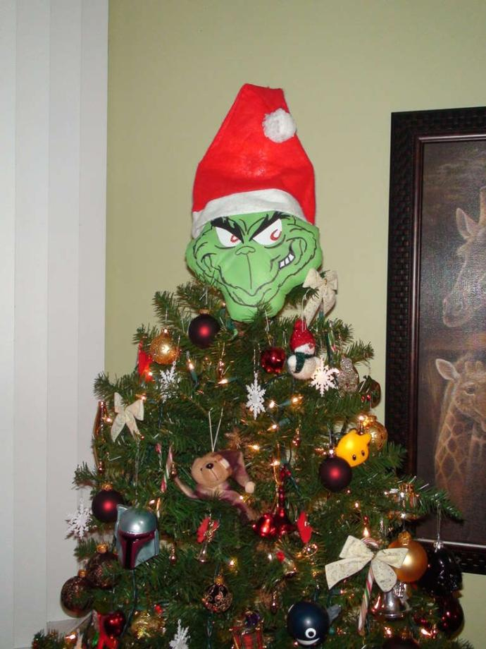 What goes on the top off your Christmas tree?