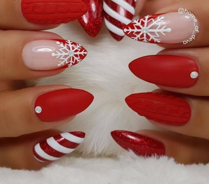 Which Christmas nails looks the best?